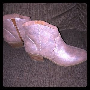 NEW Women's Time and Tru Ankle Boots Size 10